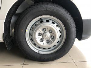 Lốp xe cứu thương hyundai starex