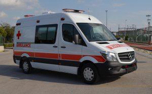mẫu xe cứu thương tại Việt Nam- Mercedes-Benz Sprinter